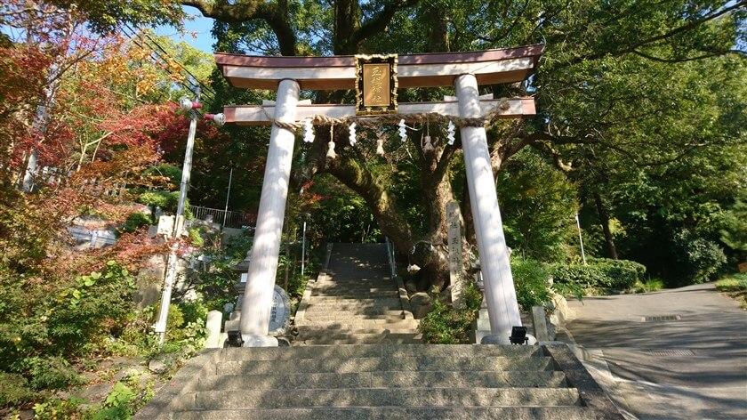 神立茶屋辻から、「玉祖神社」に立ち寄る
