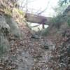 急坂の先に、開運橋が現れる