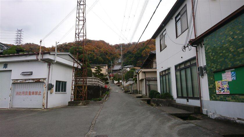 「瑠璃光寺」と「山井寺」の下、山ノ井町に戻って、本日のハイキング終了