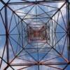 ここでは、鉄塔を真下から見上げることが出来て、美しい幾何学模様!が鑑賞できる