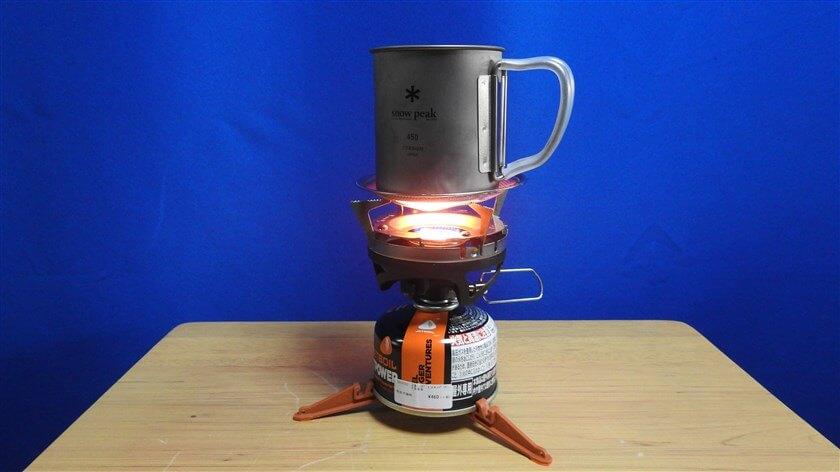 450mlのチタンシングルマグに水を入れ、JETBOILミニモで沸かしてみる