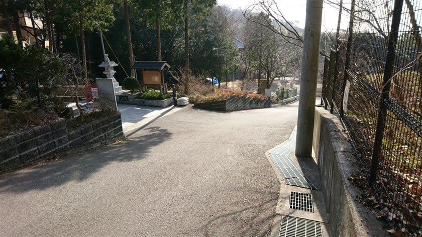 恩智神社の駐車場入り口