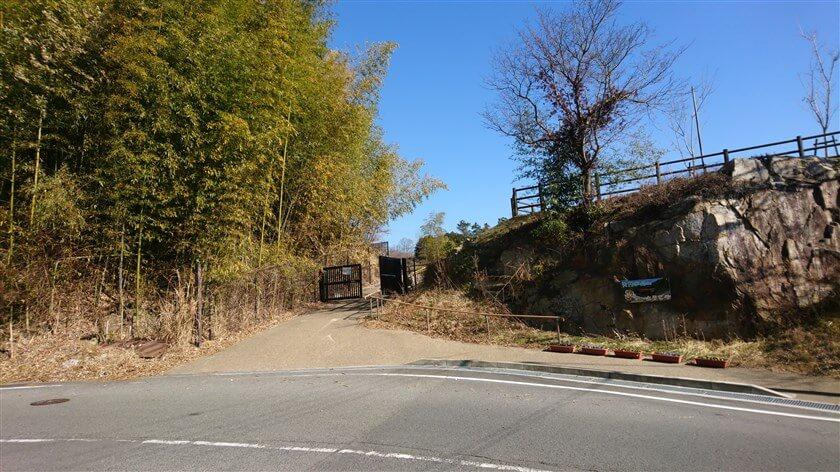 大門ダムへの入り口