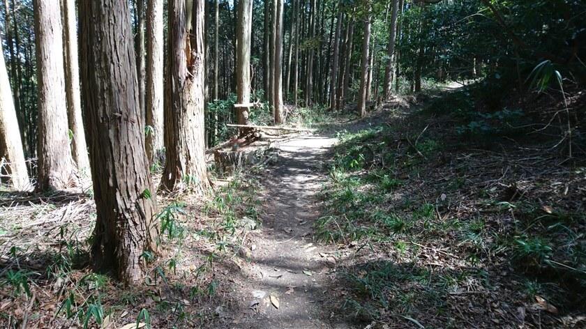 松永屋敷跡への分岐地点