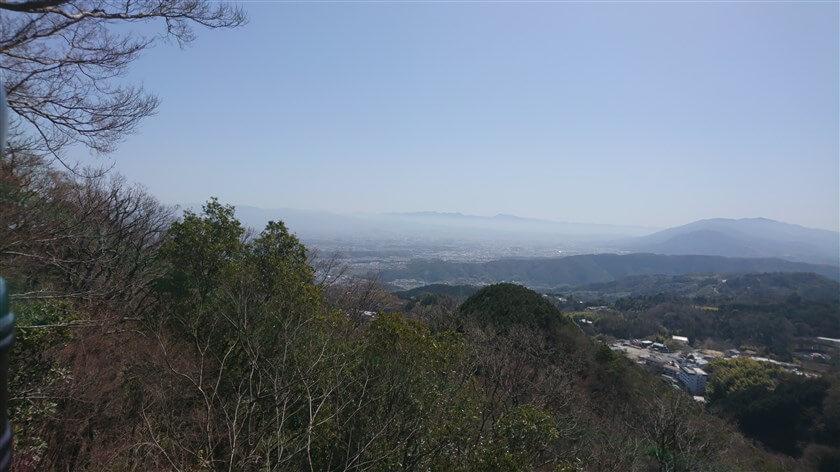 「空鉢護法堂」からの展望:南東