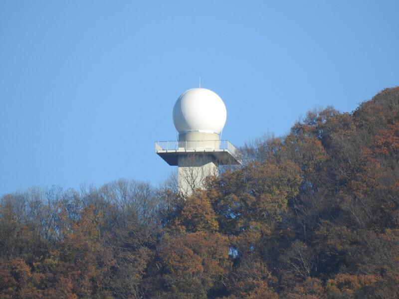 「高安山レーダー」ズームアップ