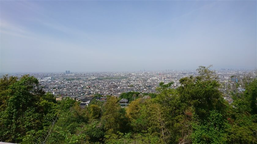 駐車場から眺める大阪平野
