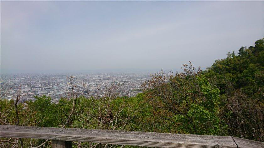 大阪平野の大パノラマが開ける:北部