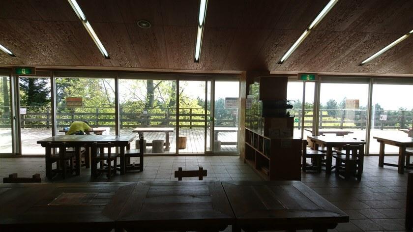 「森のレストハウス」のテラス