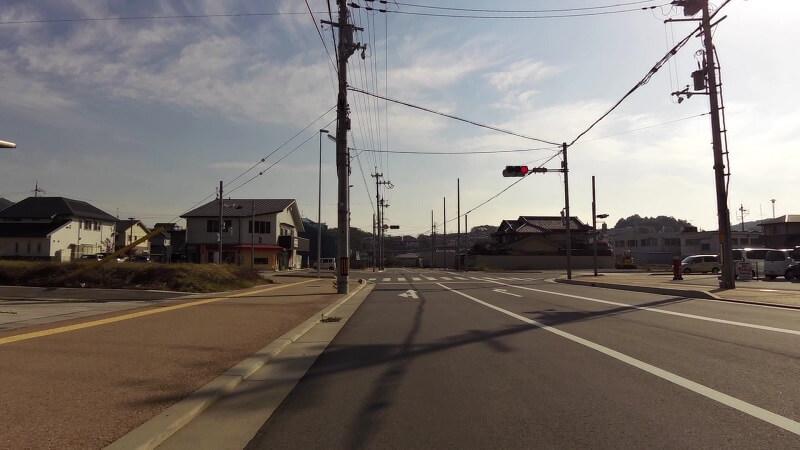 吉新の交差点を右折して、R250を登る