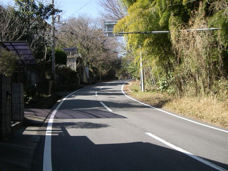 信貴山への道