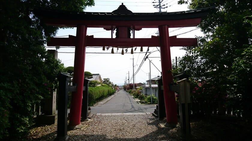 長尾神社前からは、「横大路」