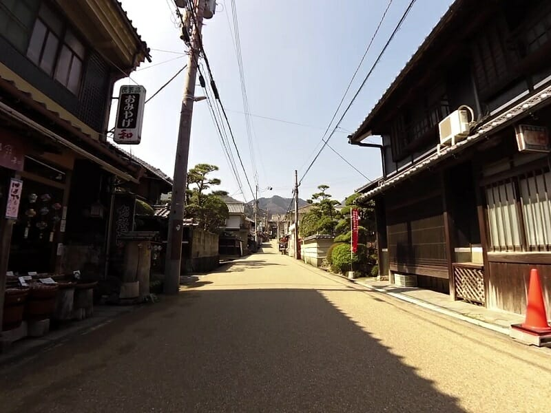 当麻寺参道。