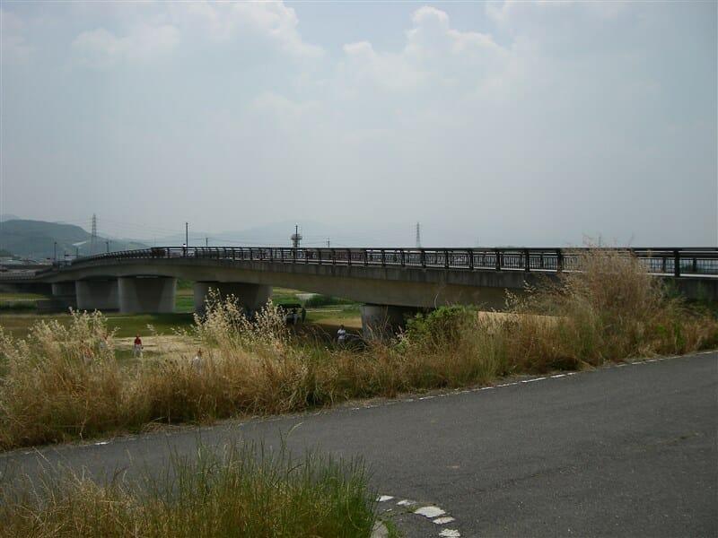臥龍橋を渡れば竹内街道