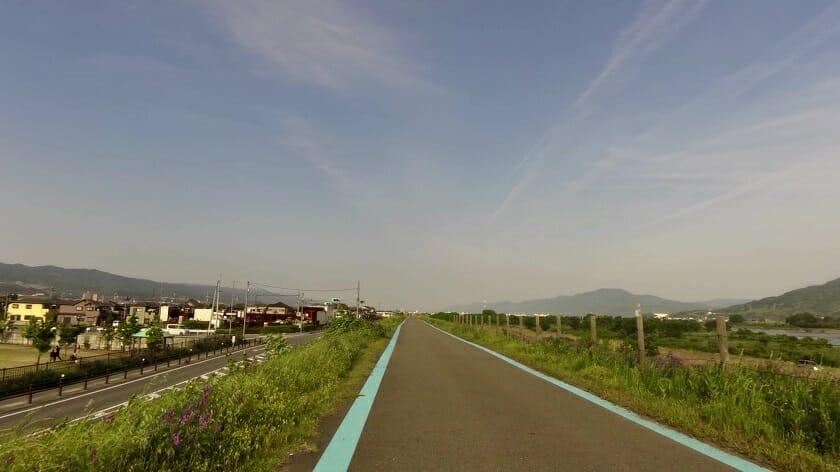 紀の川沿いの自転車道