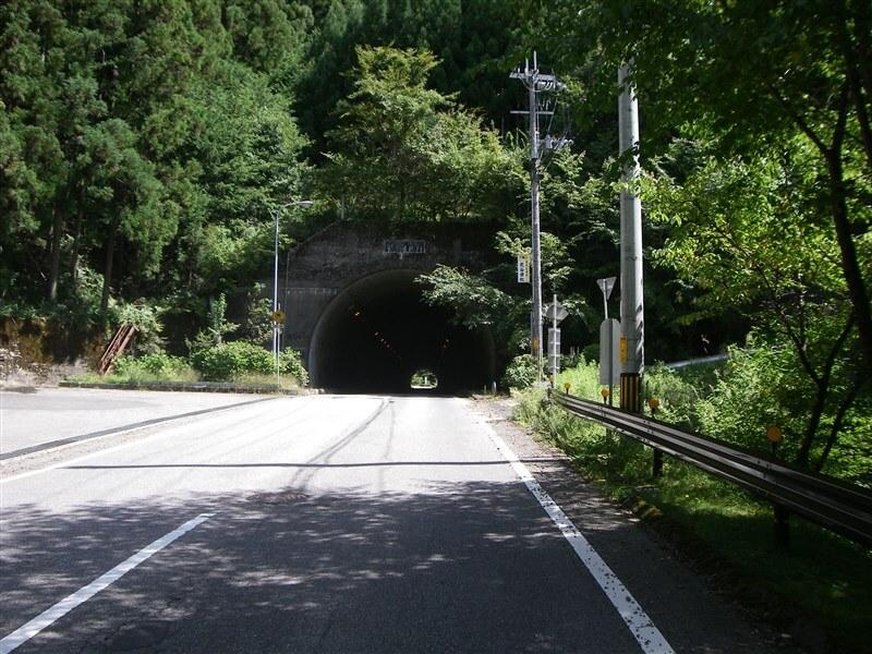 R21 洞川温泉に向かう激坂