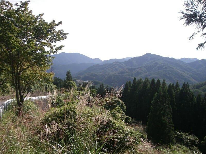 天辻峠付近の山並み