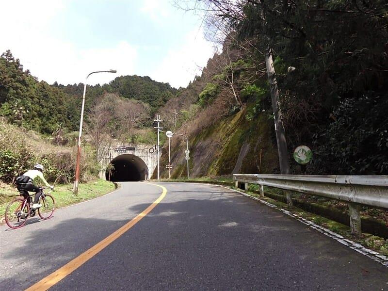 新千早トンネル