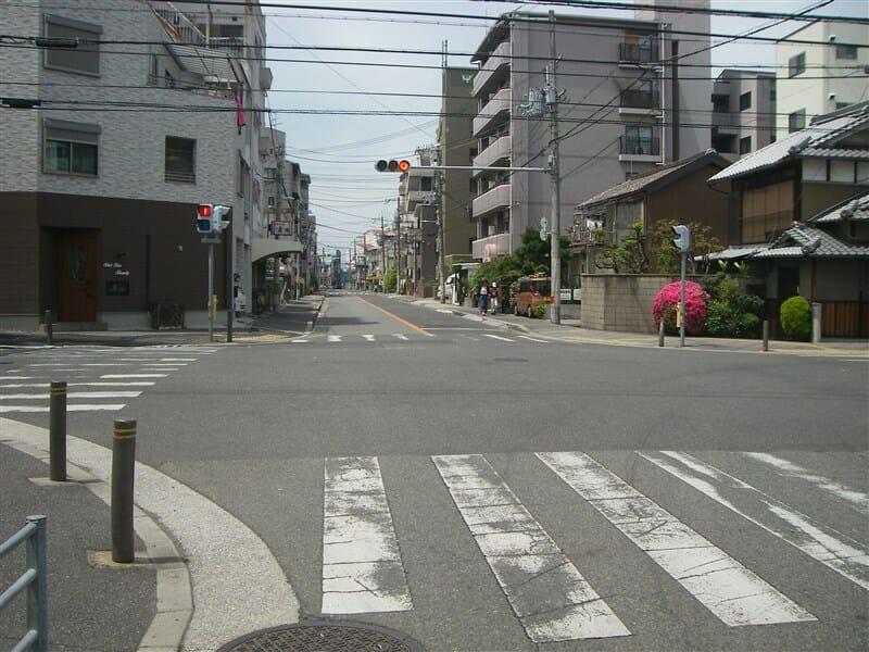 阪和線の踏切を渡った辺り