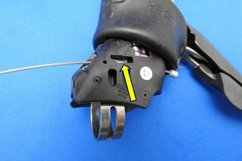 DURA-ACE ST-7901シフトワイヤの通し方:右