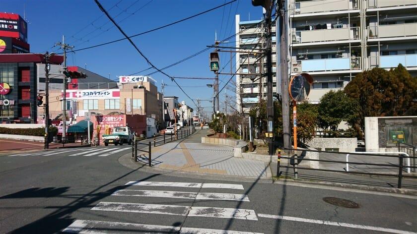 JR志紀駅前