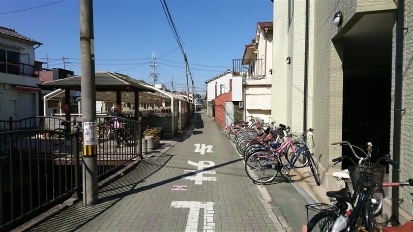 弥刀駅近くの金岡本通商店街入口