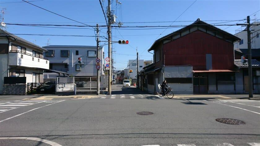 東大阪小阪本町に入る