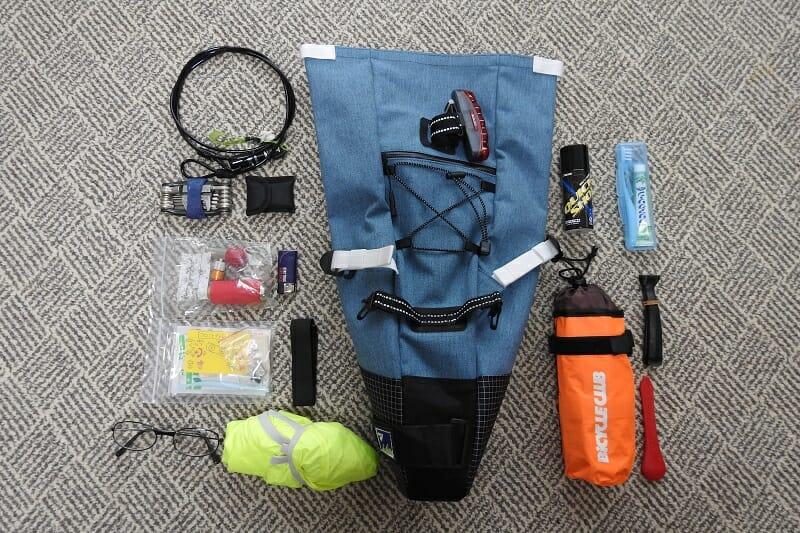 Bike'n Hike Bag に入れた荷物