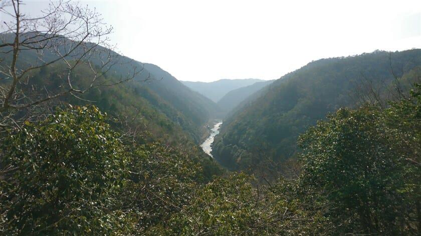 六丁峠からの桂川