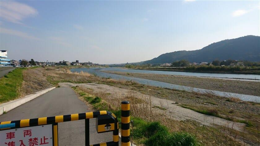 松尾橋方面を望む