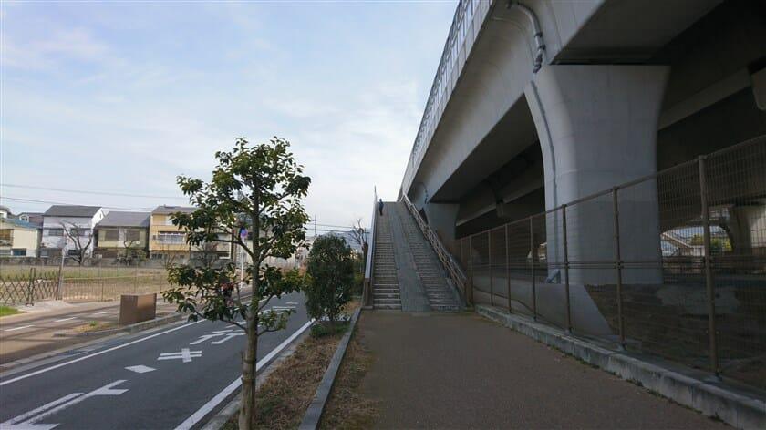 京阪交野線をを超える陸橋