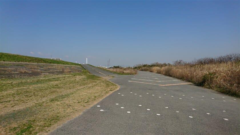 淀川河川公園豊里地区を抜けた辺りで、左に上がる