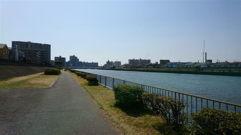 阪急宝塚線手前、三国辺り