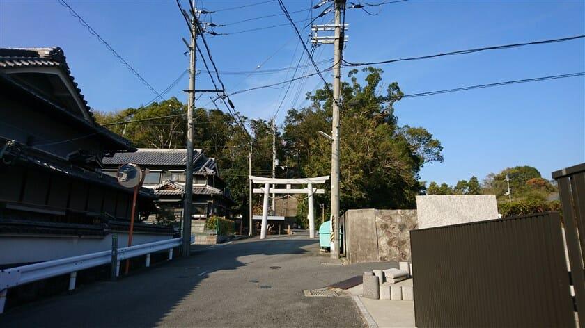 壺井八幡宮の正面参道
