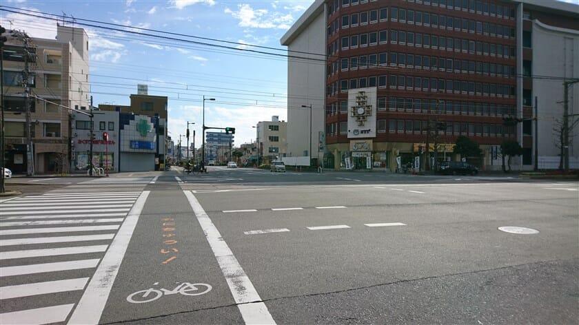 材木町通りとの交差点