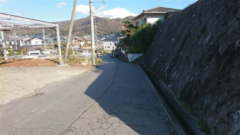 市街地の道との合流地点