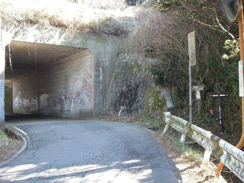 信貴生駒スカイライン下の隧道