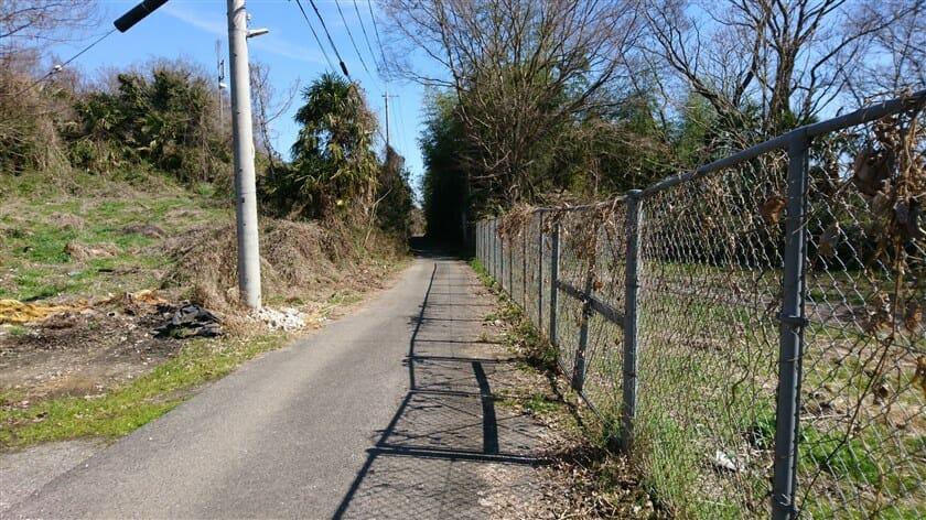 これが現在の、「竜田越え」の道