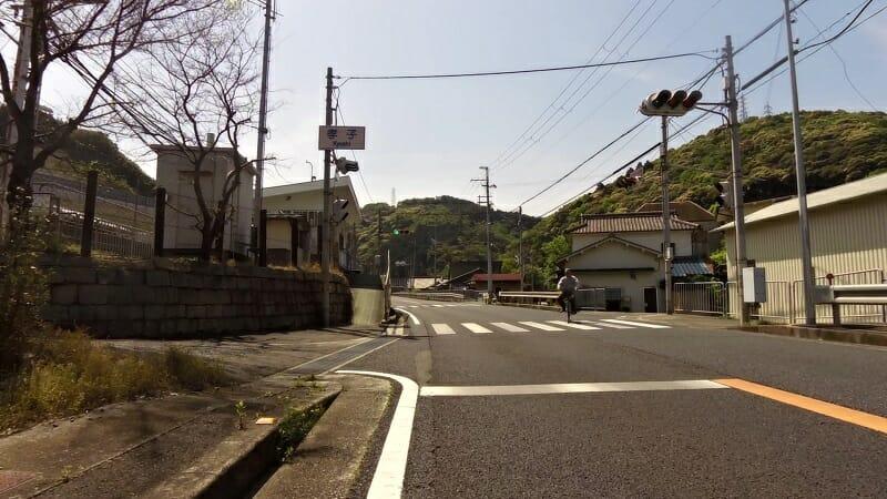 南海本線の孝子駅