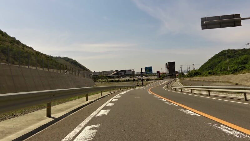 イオンモール和歌山に向かって下る
