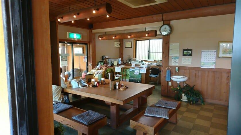 茶房 竹の子、店内の様子