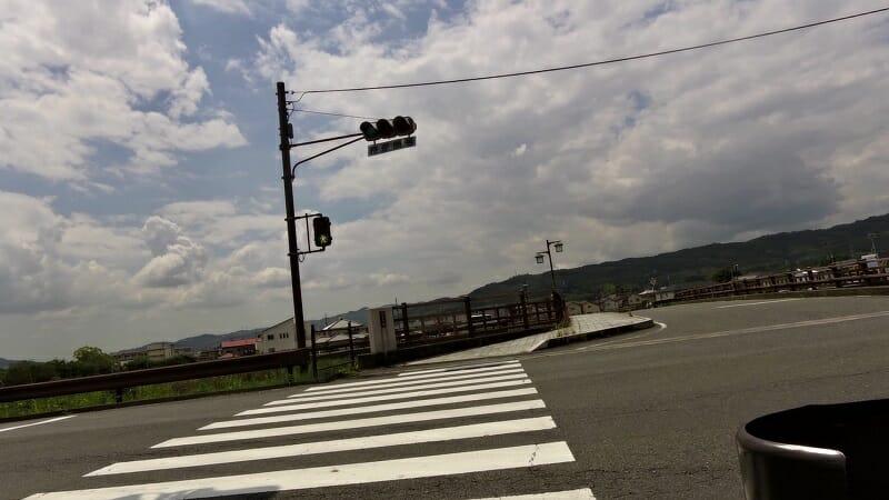 業平橋を渡る
