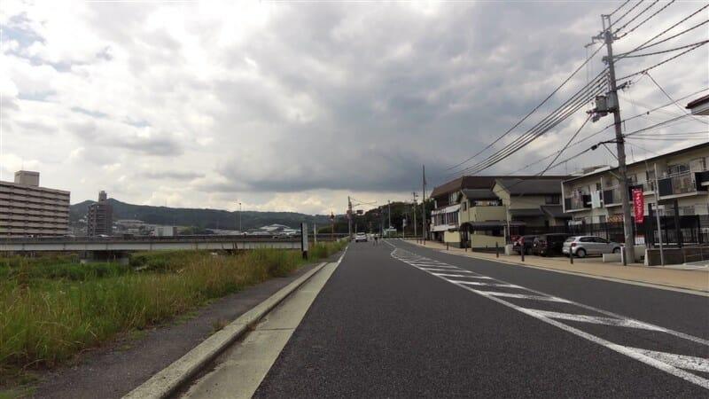 昭和橋東詰の手前辺り