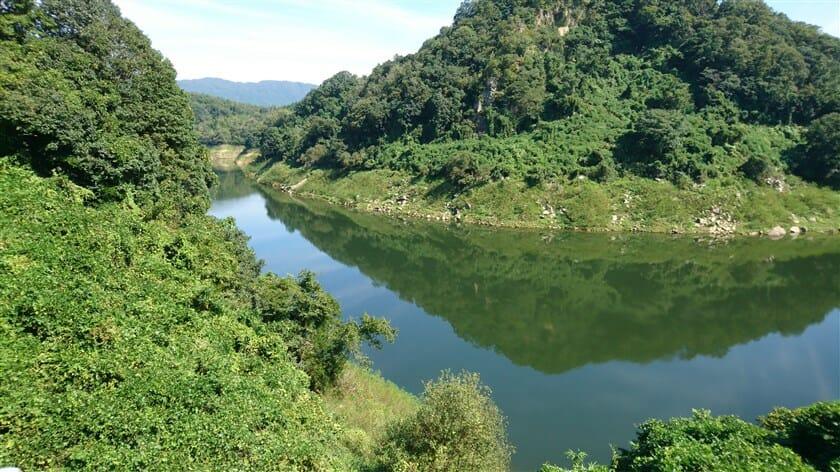府道82号:上野南山城線からの月ヶ瀬湖、下流方面