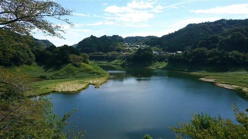 月ヶ瀬湖遠景