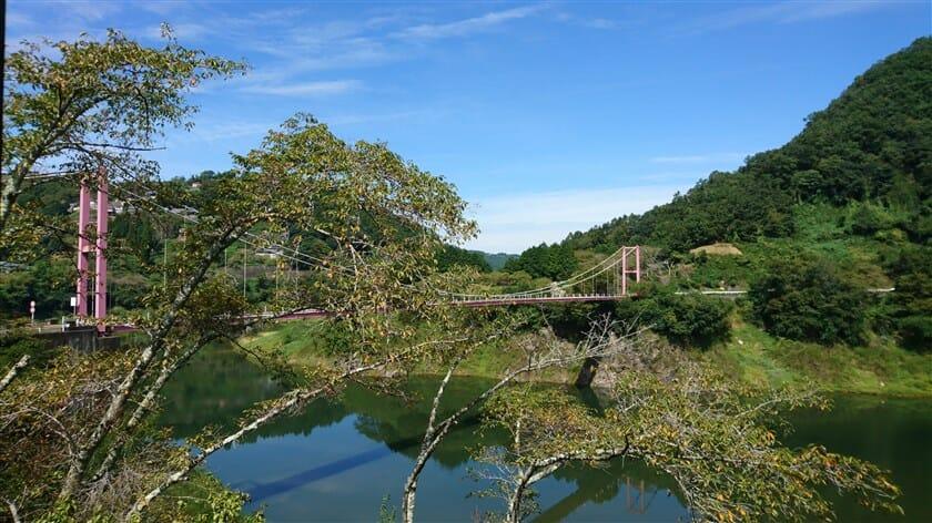 「湖畔の里つきがせ」からの八幡橋