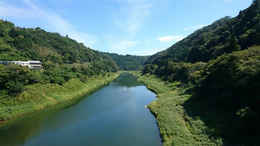 月ヶ瀬橋(つきがせばし)からの名張川