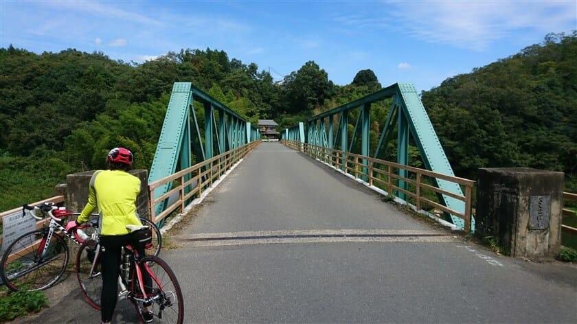 木津川に架かる、笹瀬橋(ささせばし)