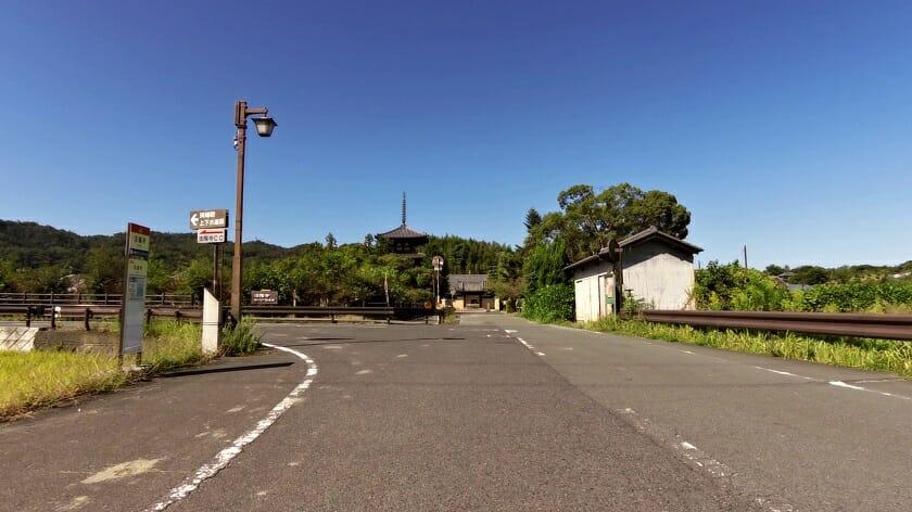 法輪寺前を左折