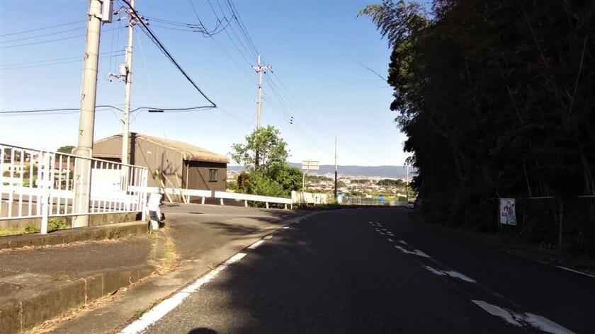 松尾寺を下り、途中で左折